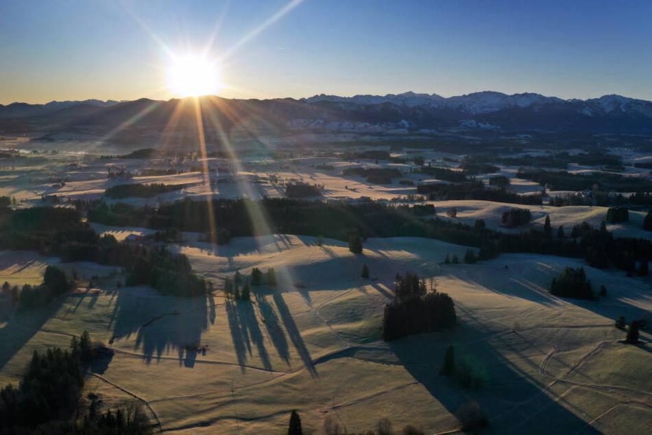 Die Sonne wird in den nächsten Tagen im Süden Bayerns scheinen.