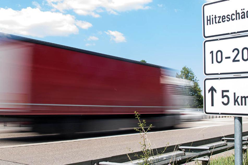 Um die Gefahr durch Hitzeschäden zu reduzieren, könnten zusätzliche Tempolimits auf Autobahnen in Baden-Württemberg folgen.
