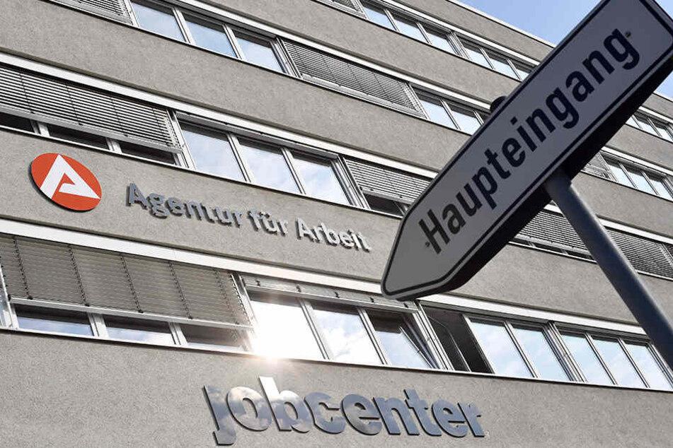 Zum Jobcenter hier entlang. Weist die Agentur für Arbeit Arbeitssuchenden stets den richtigen Weg?