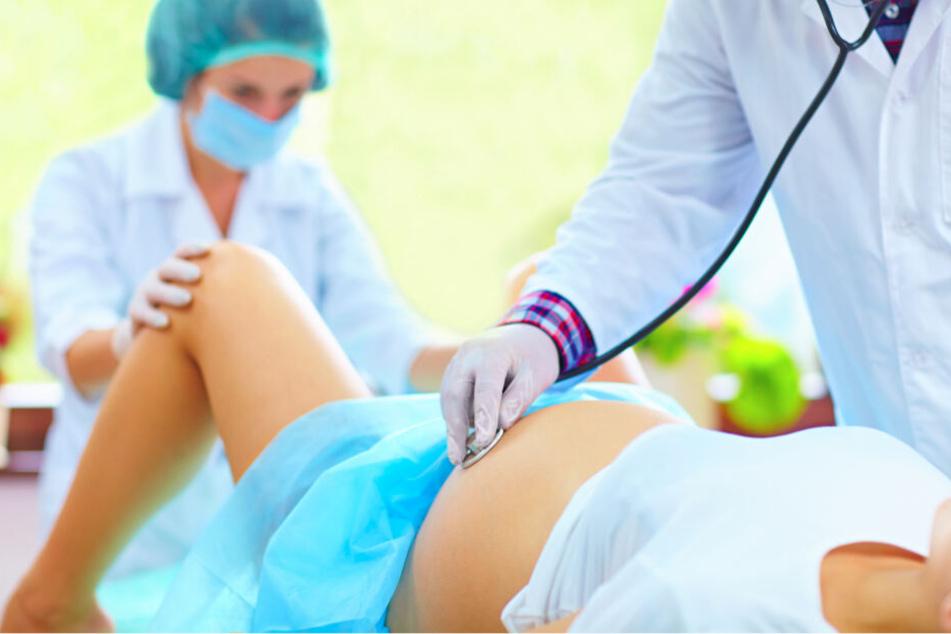 Cytotec ist zwar bei der Geburtseinleitung wirksam, das Medikament kann aber zu schlimmen Nebenwirkungen führen.