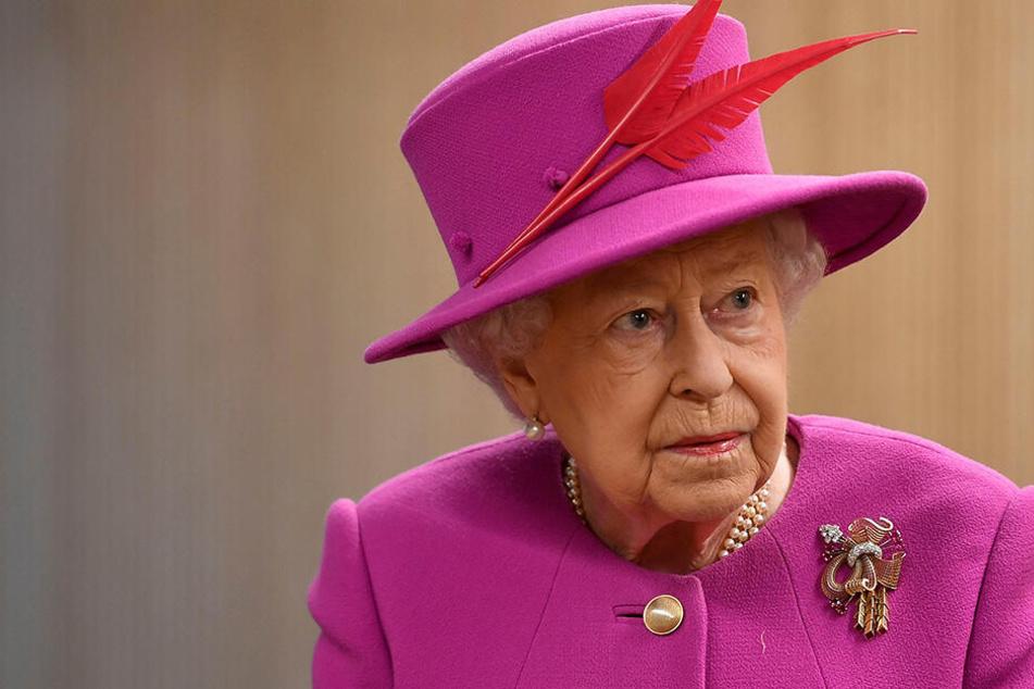Queen Elizabeth II. hat schon des öfteren ein Auge bei Meghan zugedrückt.