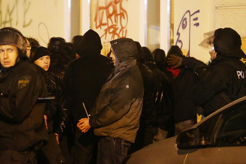 In Leipzig-Connewitz prügelten sich Anfang 2016 rechte Schläger mit der Polizei.
