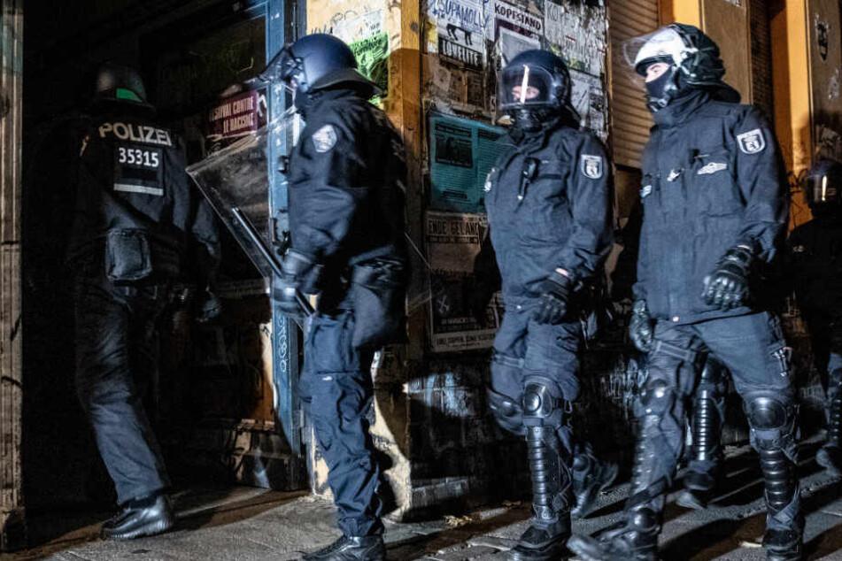 Nach Groß-Razzia in Berlin: Linksautonome drohen Polizisten mit Rache