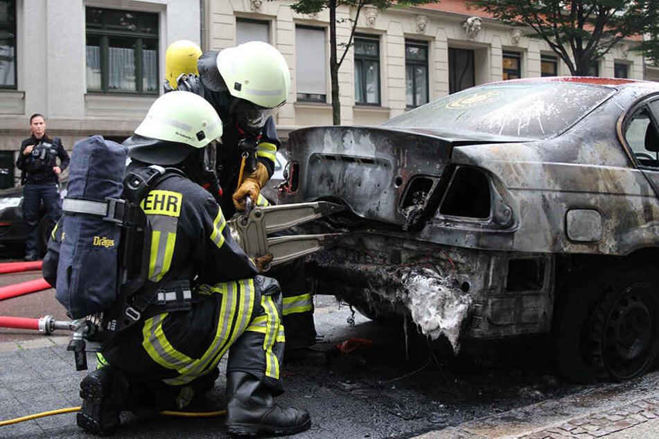 Um zirka 5.40 Uhr fing der BMW Feuer.