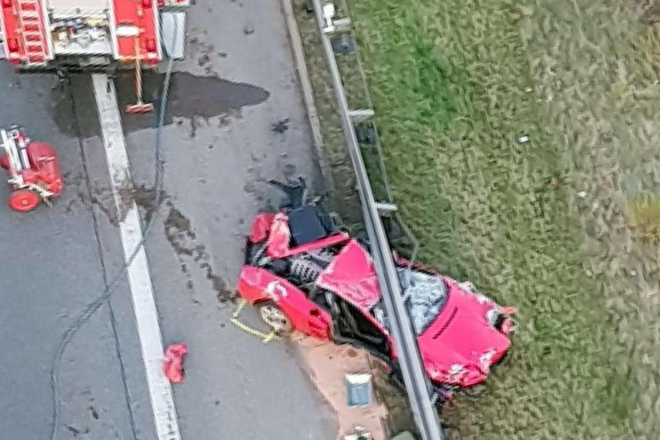 Sportwagenfahrer überschlägt sich auf der A4 und stirbt