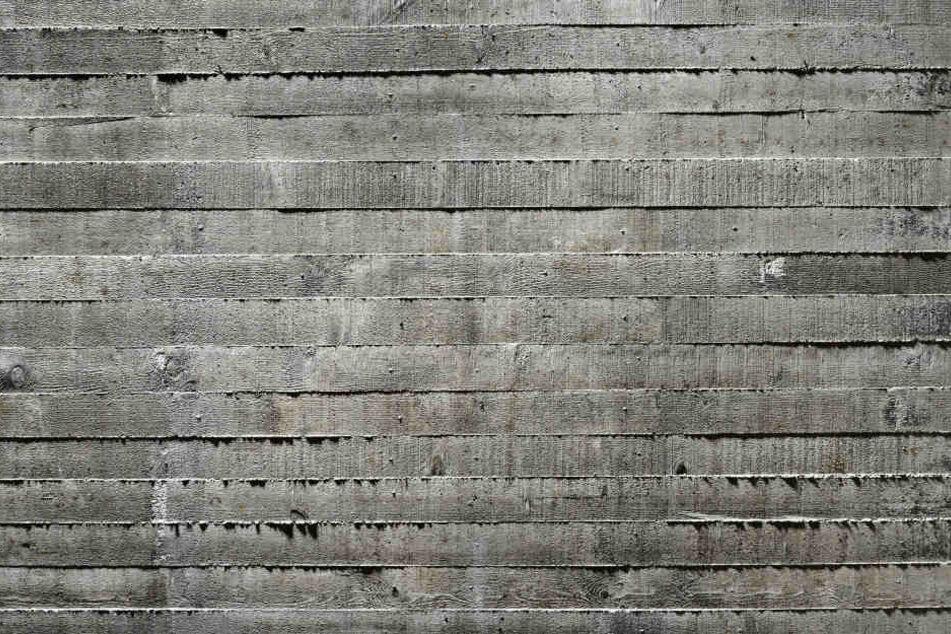 Die Männer wurden unter tonnenschweren Betonplatten begraben. (Symbolbild)