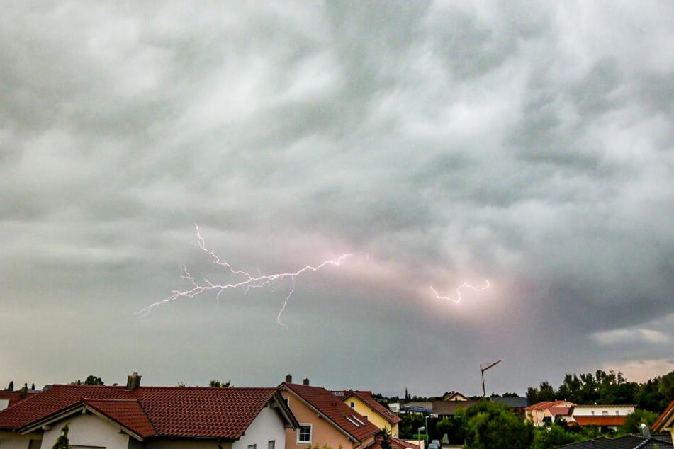 In Bayern drohen erneut Unwetterschäden durch Unwetter. (Symbolbild)