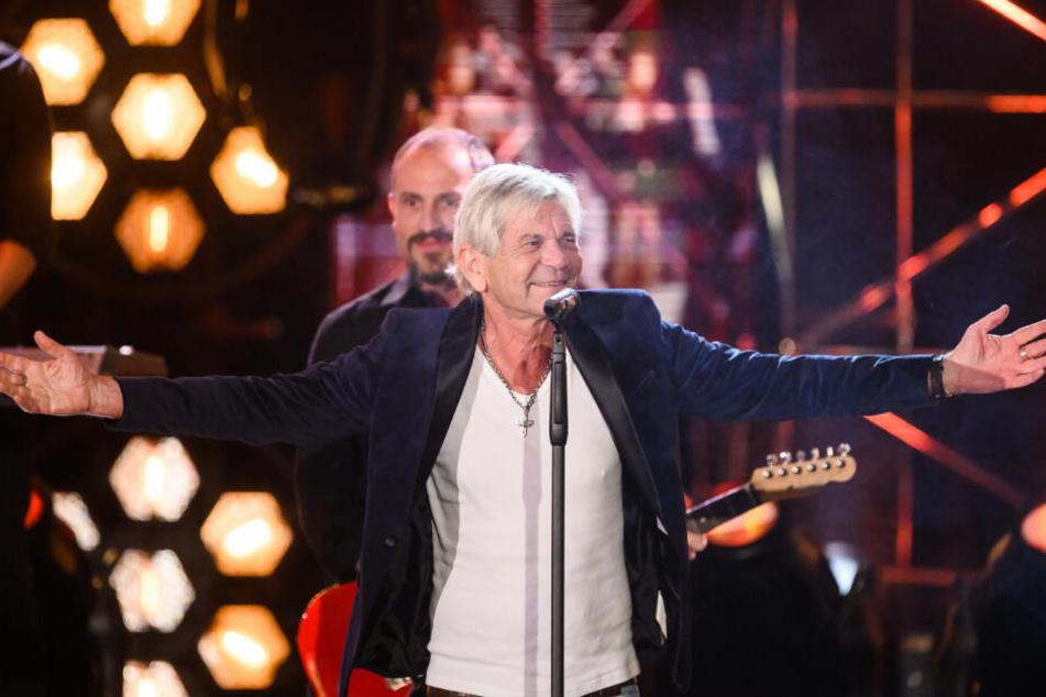 Matthias Reim auf der Bühne.