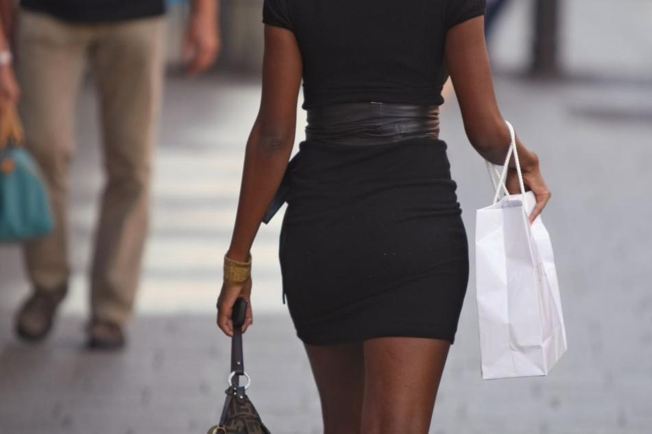 Das Tragen von Röcken und Kleidern kann im Sommer zur Tortur werden.