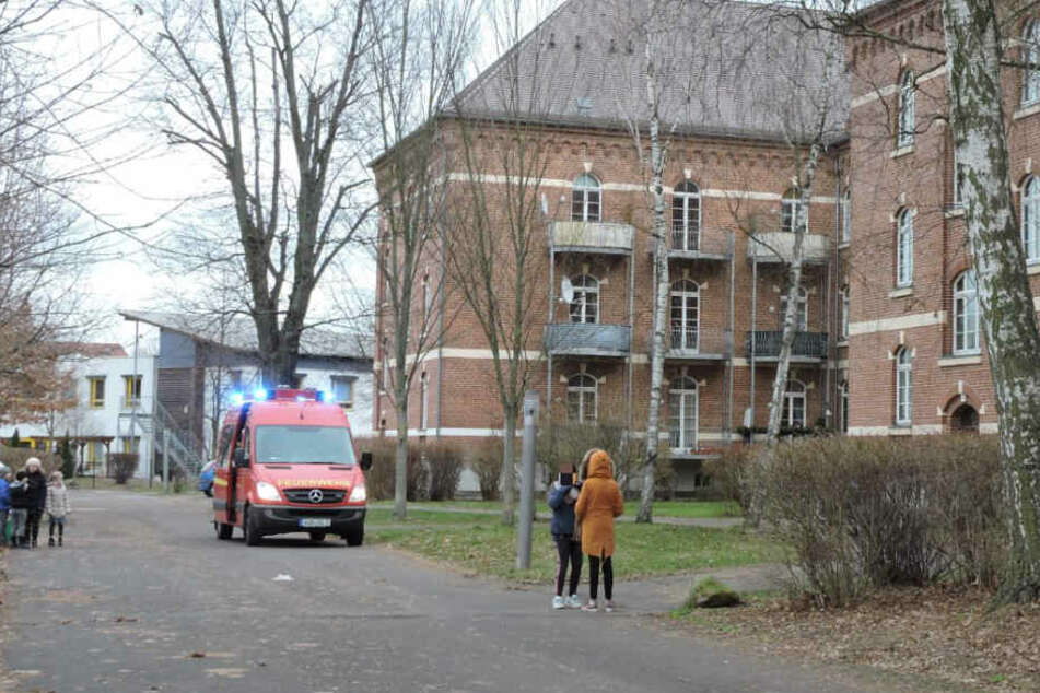 Die zuerst eingetroffene Feuerwehr Wurzen konnte wegen des Brandes schnell Entwarnung geben.