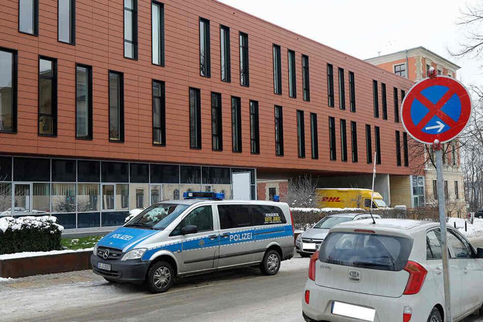 Ein Brief mit weißem Pulver sorgte für einen Polizeieinsatz am Chemnitzer  Justizzentrum.