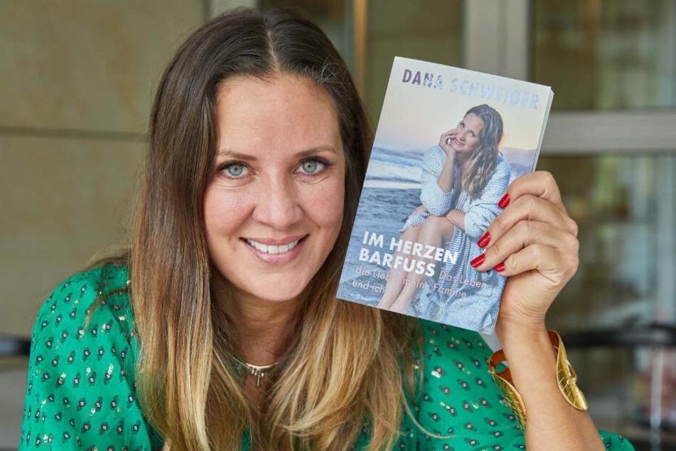 Dana Schweiger verschenkt dieses Jahr ihr eigenes Buch an ihren Ex-Mann Til.