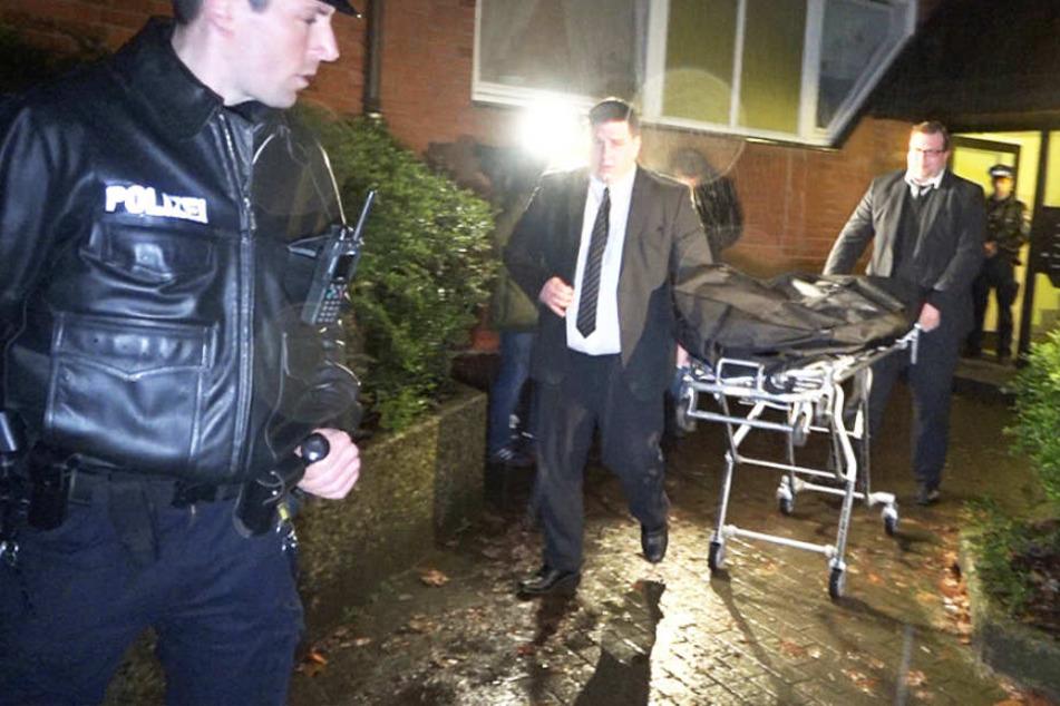 Am Montag fanden Polizisten die Leichen eines Vaters und seines Sohnes in Hamburg.
