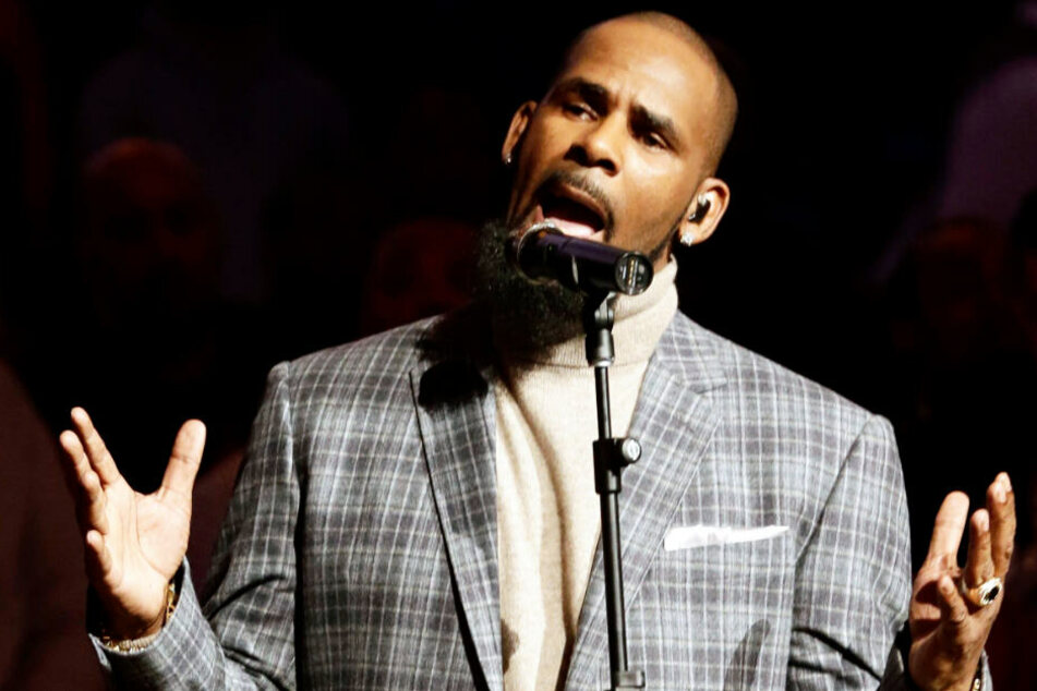 R. Kelly ist durch seine Musik weltberühmt geworden.