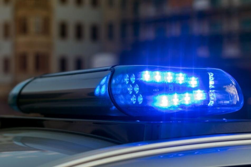 Die Polizei nahm schließlich den Unfall auf. (Symbolbild)