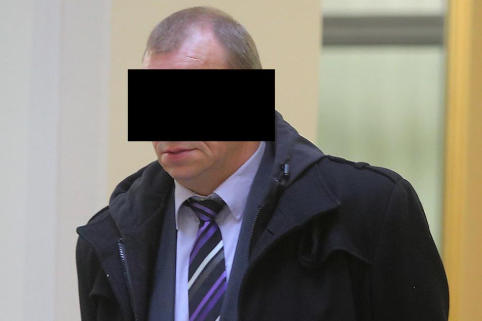 Hans-Jürgen P. (58) sieht sich unschuldig vor Gericht.