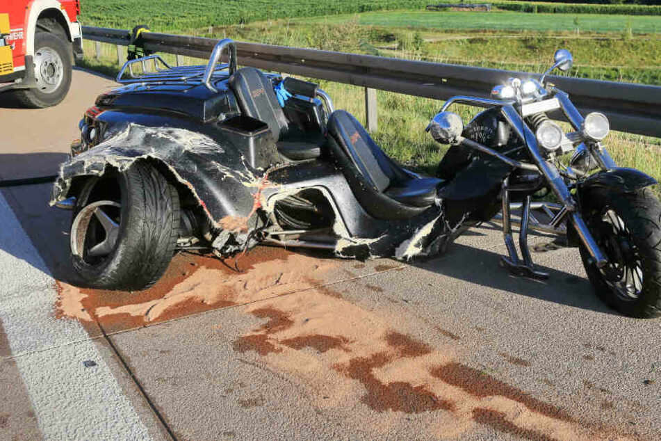 Trike-Fahrer prallt gegen Leitplanke und stirbt