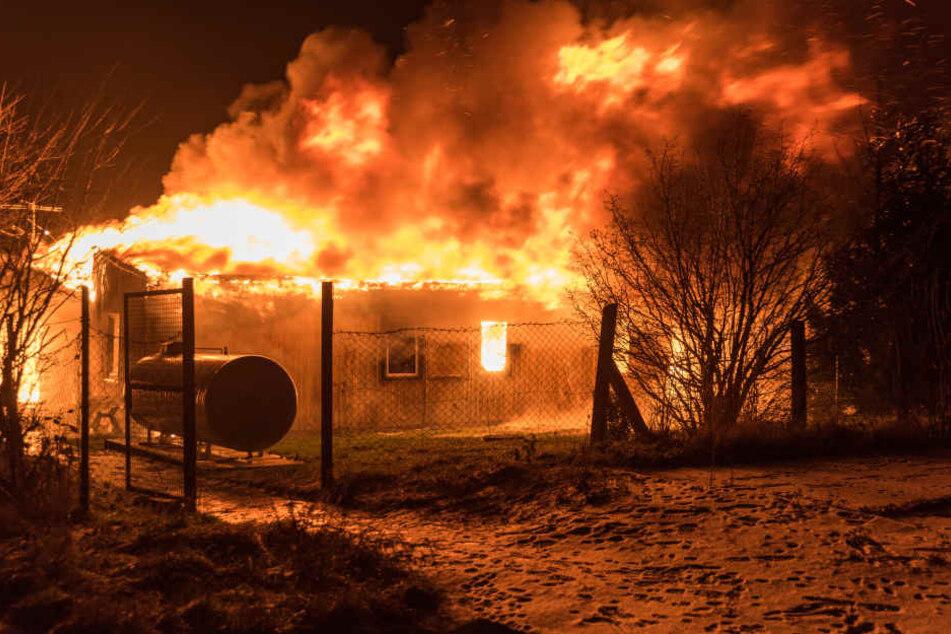 Bei dem Brand in dem Wohnheim starben zwei Menschen.