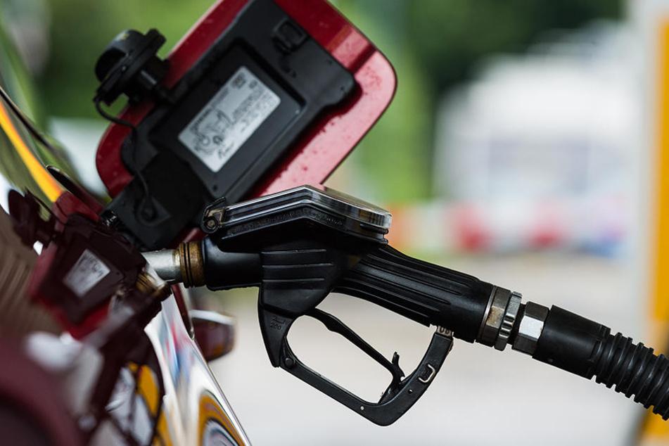 Noch wird Diesel massiv subventioniert. Müssen wir bald bis zu 21 Cent mehr pro Liter Diesel zahlen?