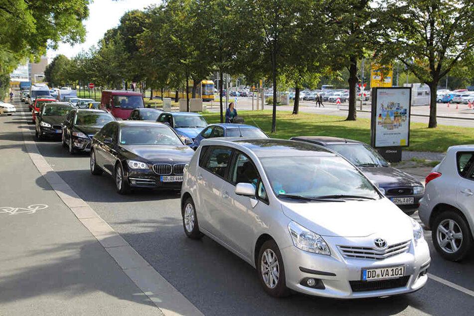 Rund um den Dr.-Külz-Ring in Dresden sind die Straßen bereits zu.