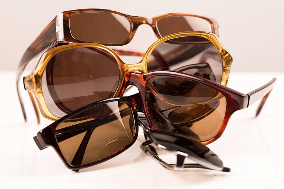 Sonnenbrillen gehen im Sommer immer wieder verloren, landen in Fundbüros.