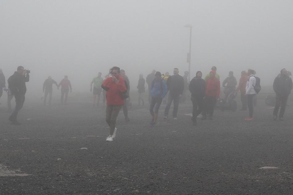 Trotz des Unwetters waren im Harz am Sonntag einige Wanderer unterwegs.