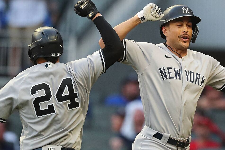 MLB: The Yankees sweep the Red Sox to snatch the top spot in the AL Wild Card rankings!