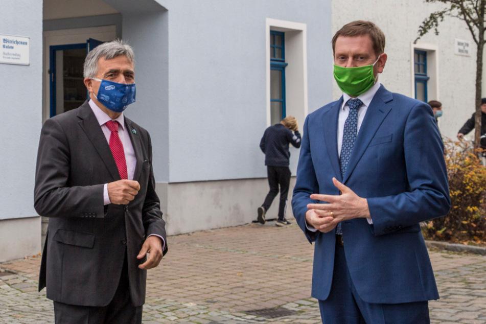 Landrat Michael Harig (60, l.) vor wenigen Tagen zusammen mit MP Michael Kretschmer (45, beide CDU) in Wittichenau.