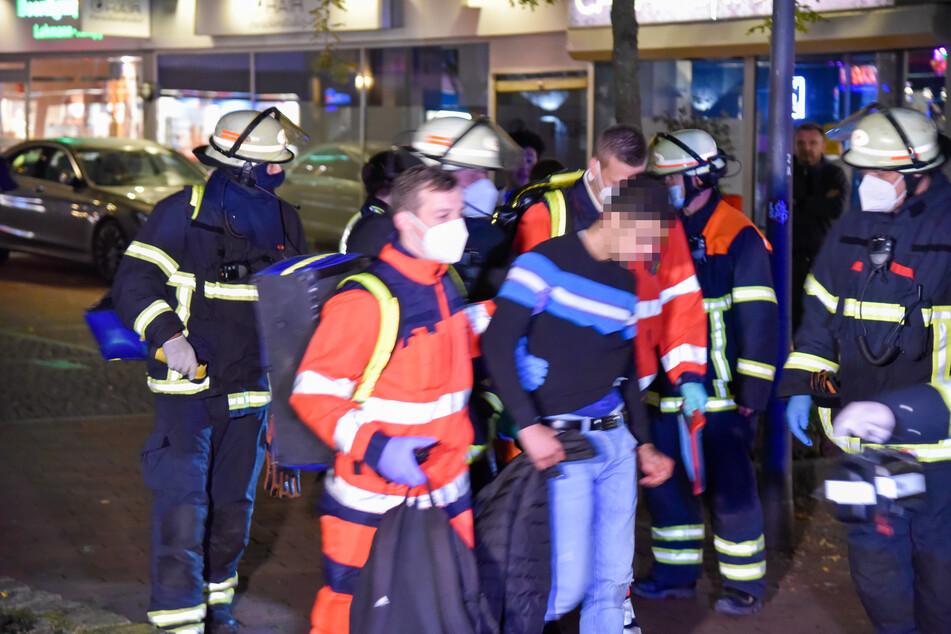 Schussverletzung und Angriff mit Messer: Hamburger Polizei im Einsatz!