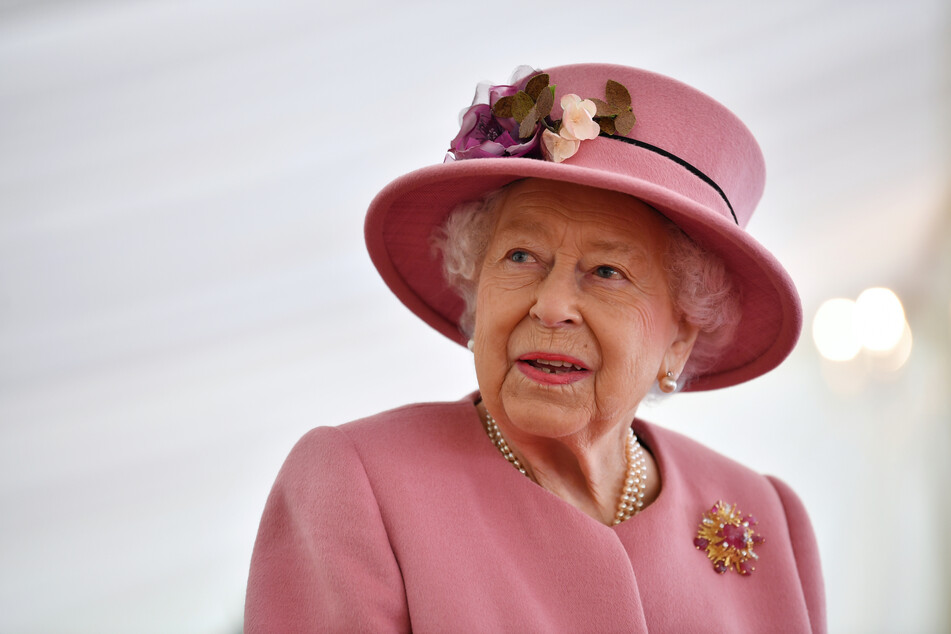Peinlich, peinlich: Königin Elisabeth II. von Großbritannien wurde am Montag aus Versehen für tot erklärt. Doch damit ist die 94-Jährige nicht alleine.