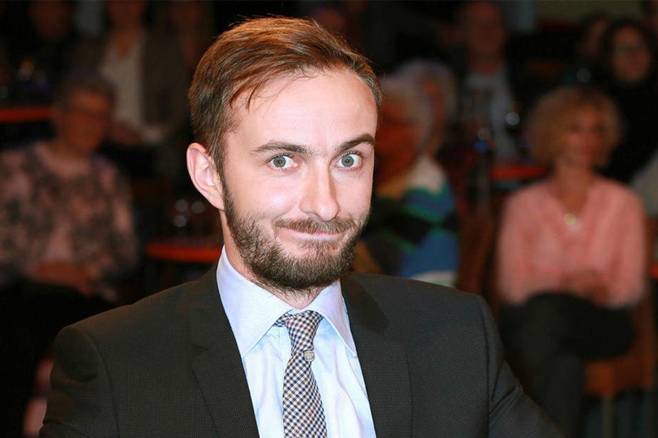 Jan Böhmermann (35) schickt Kritik in Richtung Dresden.