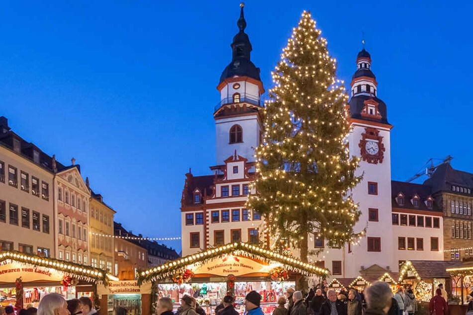 Ganz offiziell: Chemnitz hat den längsten Weihnachtsbaum