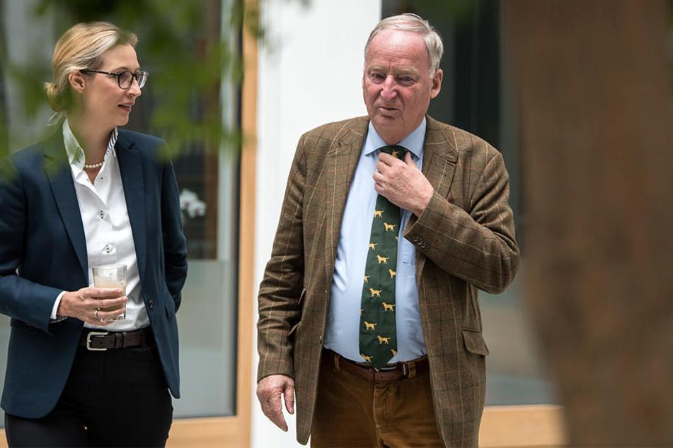 Ist das Programm der AfD [hier die Spitzenkandidaten Alice Weidel (38) und Alexander Gauland (77)] verfassungswidrig?