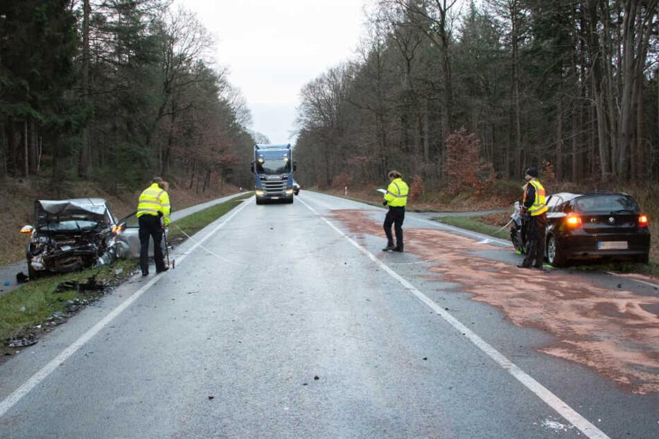 Die Bundesstraße musste während des Einsatzes gesperrt werden.