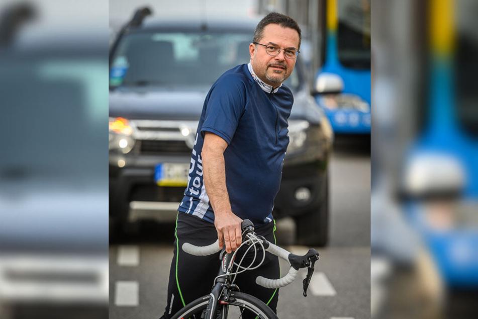 Thomas Lörinczy (48) vom ADFC schätzt den Fahrrad-Anteil am Verkehr auf nur sechs Prozent.