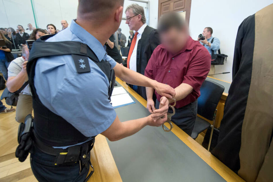 Der Angeklagte soll das Mädchen 1999 entführt haben.