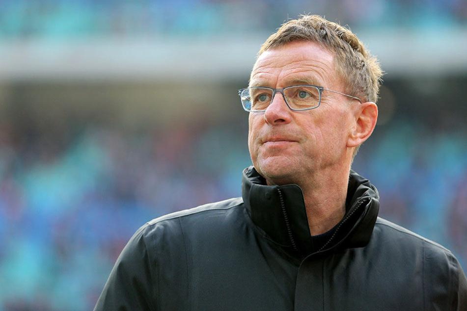 Beim kurzfristig einberufenen Mediengespräch hat Sportdirektor Ralf Rangnick nur allgemeine Aussagen über den Verein gegeben. Ist kurzfristig etwas schief gegangen?