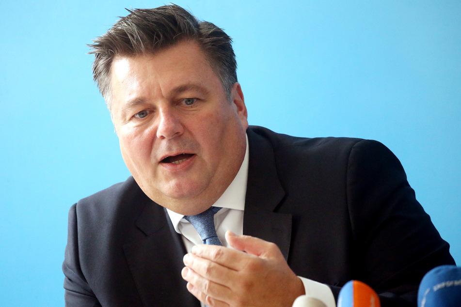 """Innensenator Andreas Geisel (54, SPD) spricht von einer """"verstärkten Wachsamkeit"""" in Berlin."""