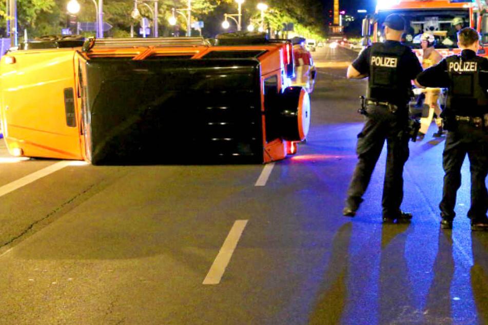 Adlon-Mitarbeiter bauen Unfall mit Gäste-Mercedes: Jetzt äußert sich das Hotel!