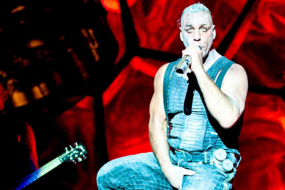 Till Lindemann veröffentlicht Porno: Warum hat er das nötig?
