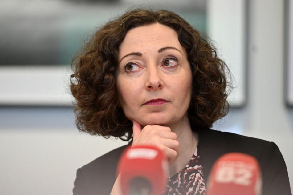 Berliner Wirtschaftssenatorin Ramona Pop (Grüne) spricht über die weitere Entwicklung der Coronavirus-Fälle in Berlin