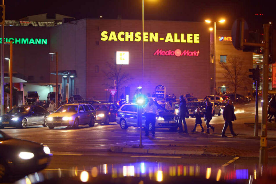 Die Sachsen-Allee musste am 29.12.2016 komplett evakuiert werden.