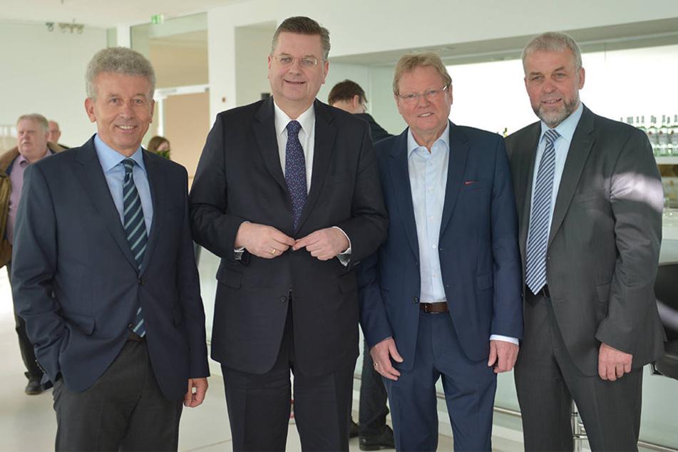 Hans-Hermann Kirschner (v.li.), Reinhard Grindel, Hermann Korfmacher und Heiner Kollmeyer wollten die Insolvenz vom FCG abwenden.