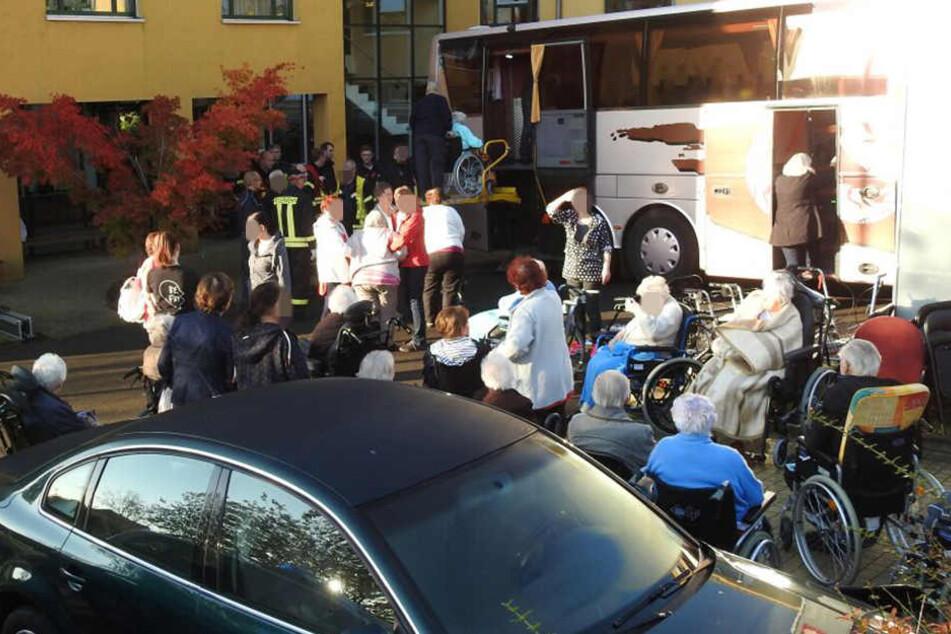 Weitere Bombendrohungen! Zwei Seniorenheime müssen evakuiert werden