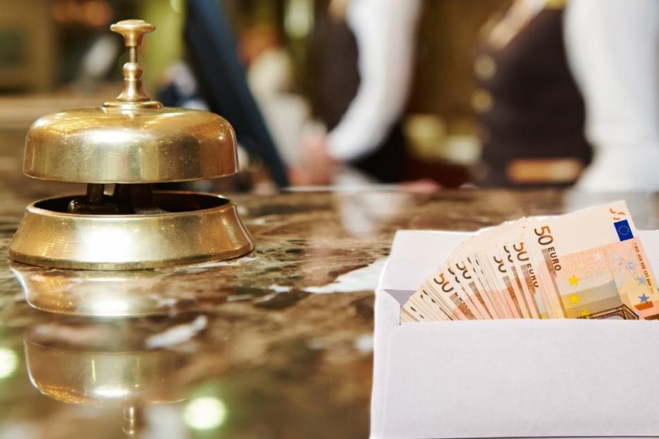 Zimmerjunge erhält 21.000 Euro von Luxushotel