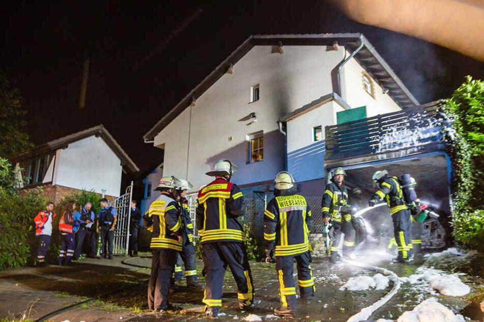 Das Feuer griff glücklicherweise nicht auf das Wohnhaus über.