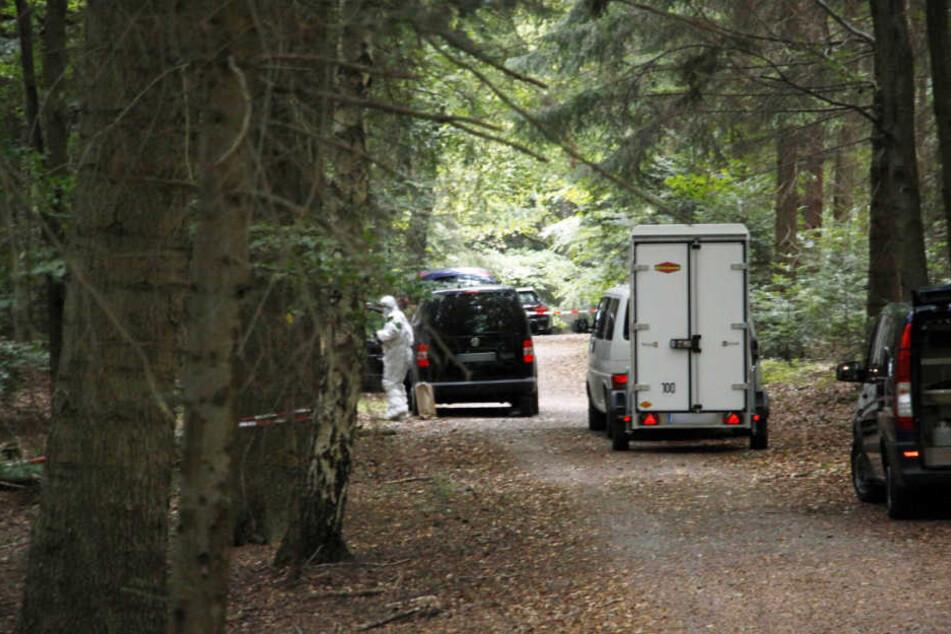 In einem Waldstück bei Pforzheim wurde am 2.10. die Leiche gefunden.