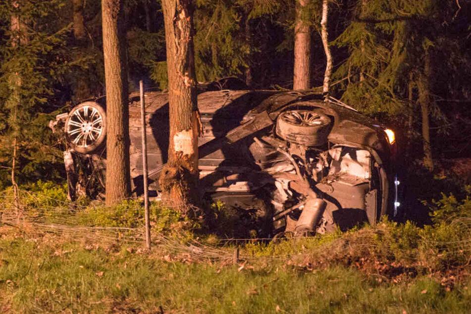 Ein 27-Jähriger war mit seinem BMW ungebremst auf einen Mercedes gefahren.