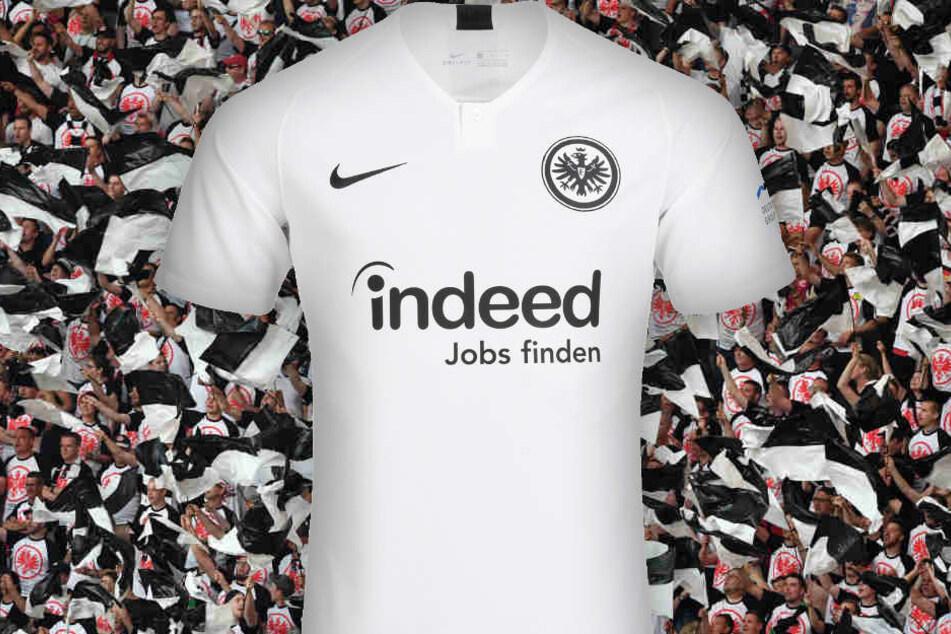 Ganz in weiß und mit Knopfleiste: So präsentiert sich die Eintracht in der kommenden Saison bei Auswärtspartien.