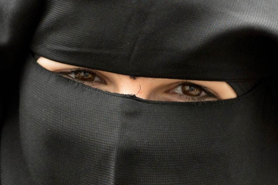 Einer Studentin in Kiel wurde verboten, mit so einem Nikab zur Uni zu kommen. (Symbolfoto)